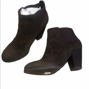 New call it Spring brown suede booties size 8